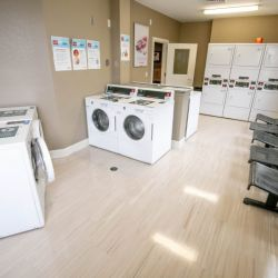 UA Lakeside Laundry Room
